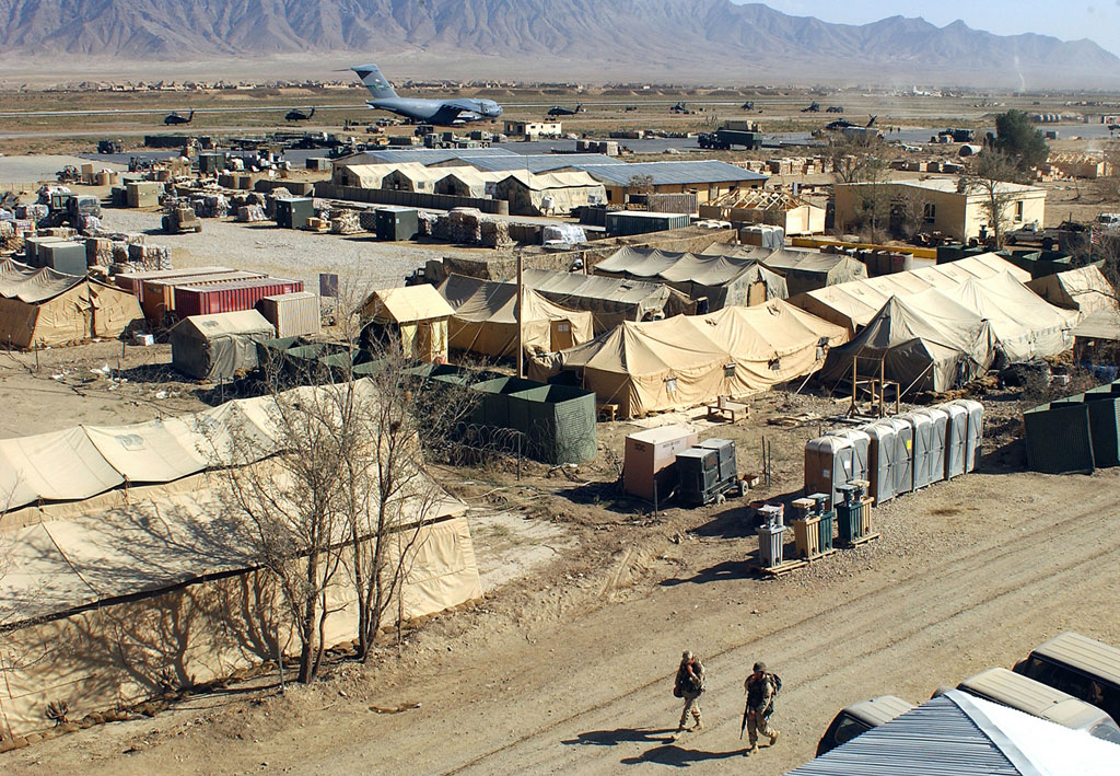 Military_camp_at_Bagram,_Afghanistan-no-copywrite-required